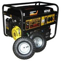 Бензиновый генератор DY6500LX с колёсами и аккумулятором Huter